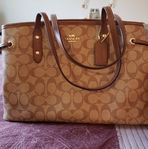 Authentic coach purse with tags
